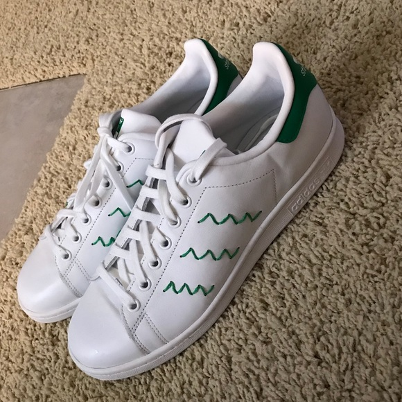 best service e81b6 a33fb adidas Shoes - NWOT Adidas Stan Smith Zigzag Shoes